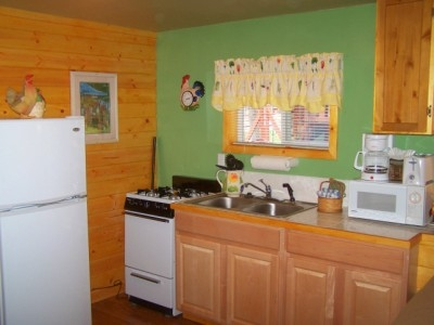 Large studio cottage with jacuzzi and kitchen Image 3