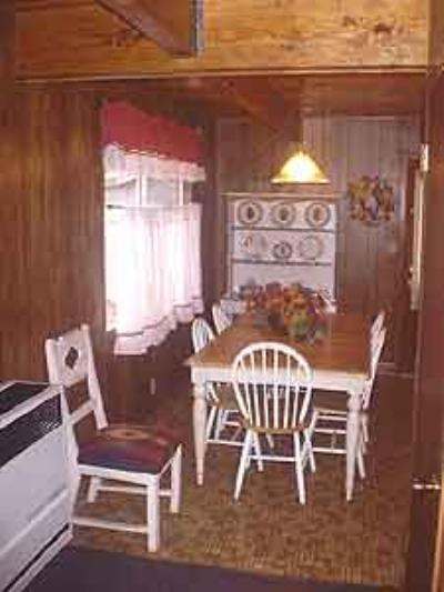 Large 2 story 2 Bedroom Cottage Image 5