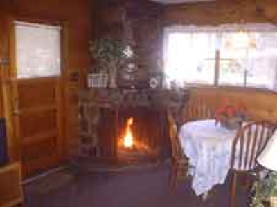 2 Bedroom cottage with jacuzzi or spa Image 3