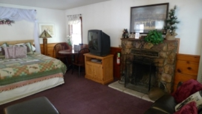 Black Bear Cottage #2 - Spa Suite Image 3