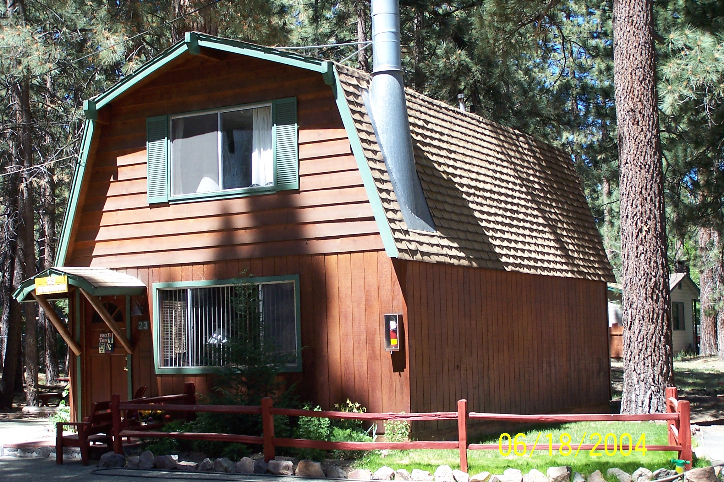 Vacation rental large 2 story 2 bedroom cottage for Two bedroom cottages